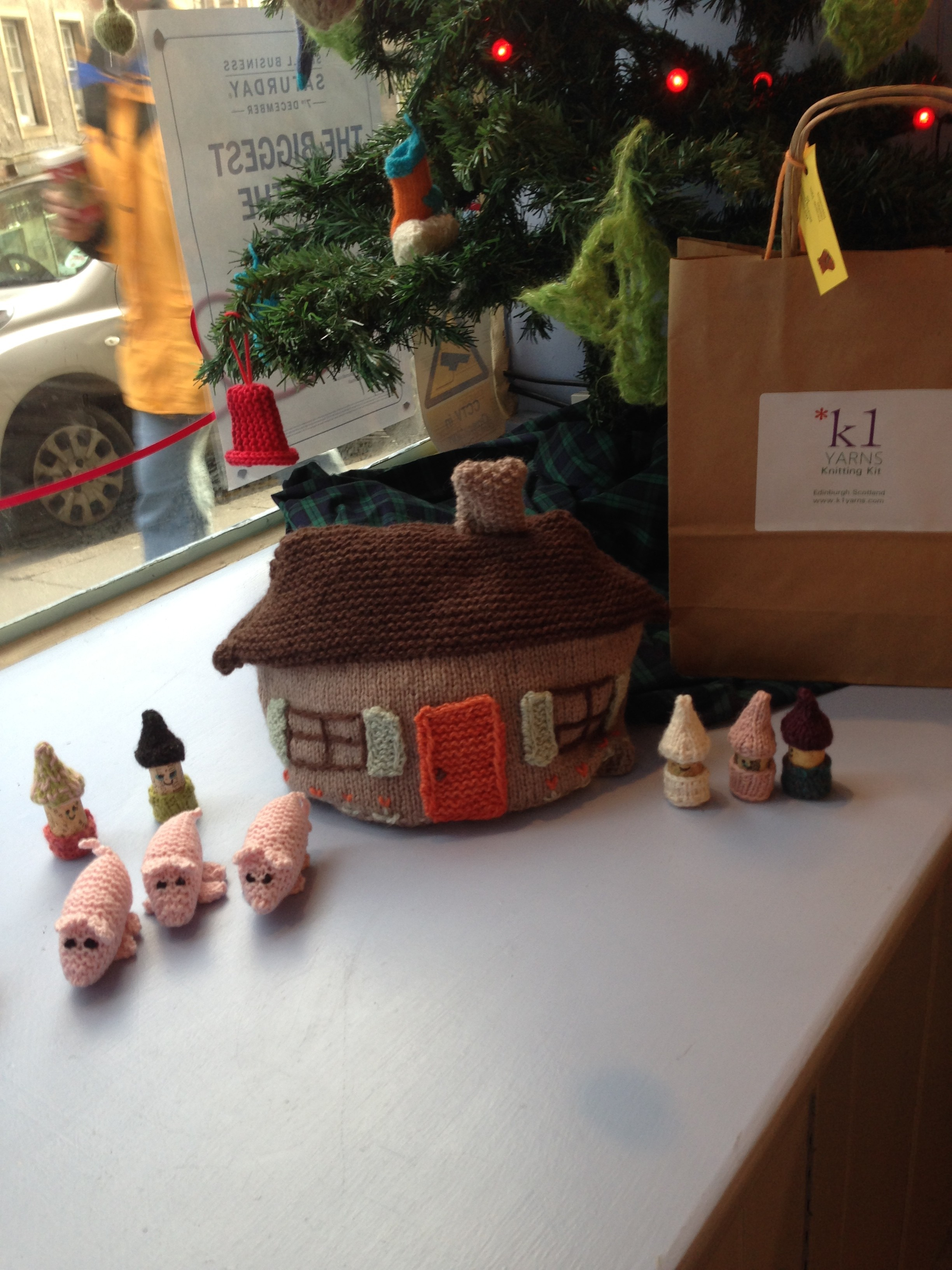 Lovely farm scene in the window of the K1 yarn shop
